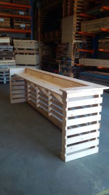 DIY Pallet Bar Projects