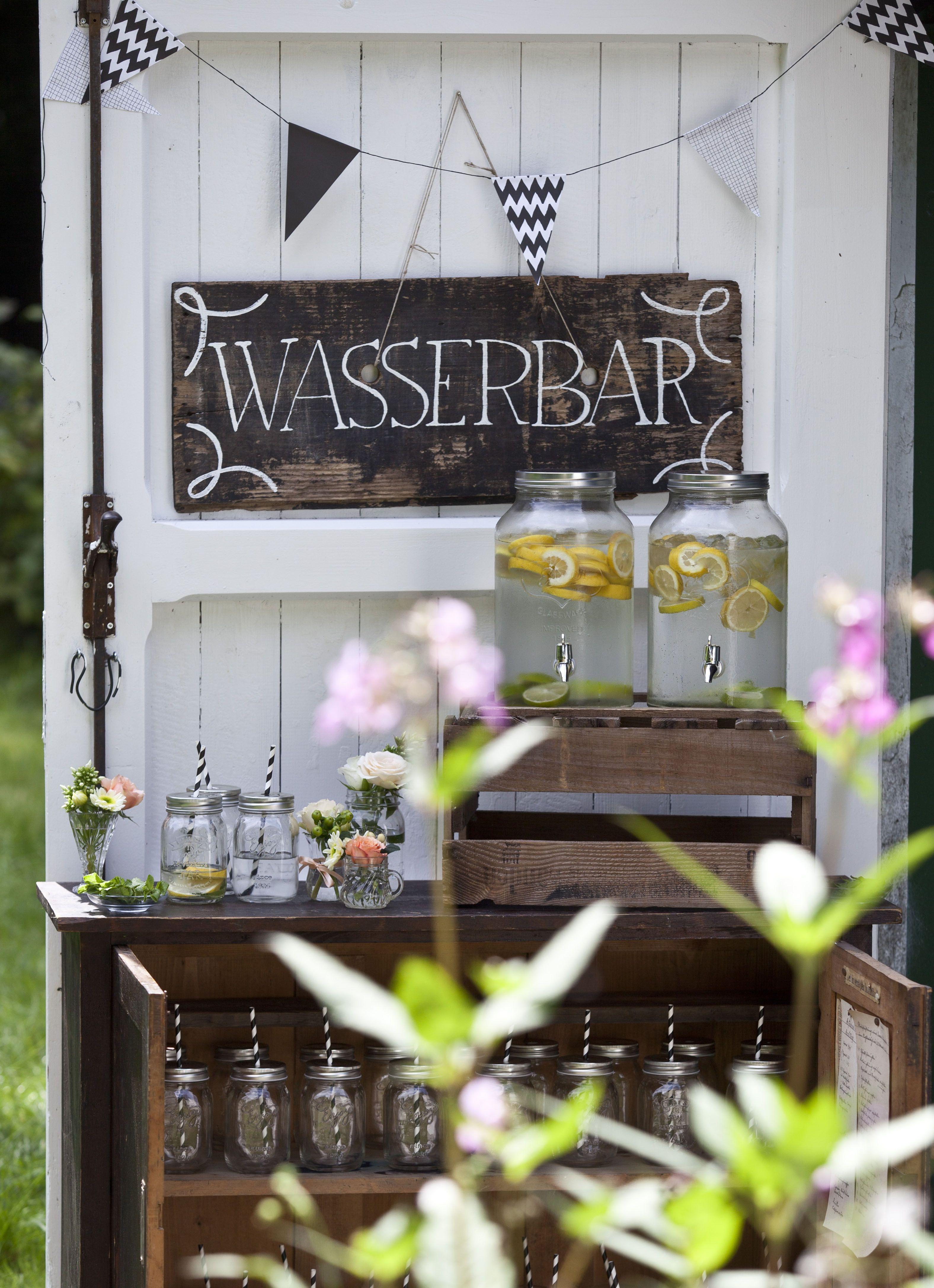 Limospender oder Wasserspender Ob als Limo oder Wasserbar einsetzbar einfach Wasser und Frchte rein fertig  Wedding  Pinterest  Wedding
