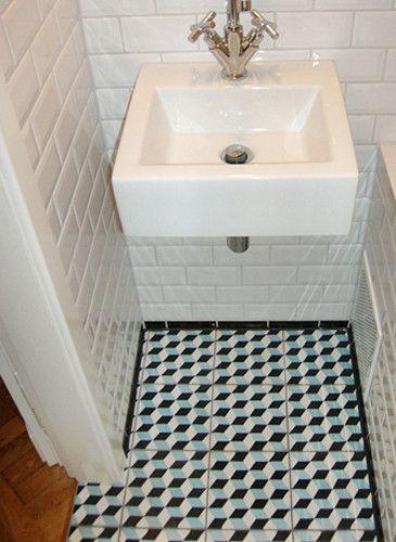 Badezimmer mit MetroFliesen Wand und Zementfliesen Boden  Bagno  Pinterest  Metro tiles