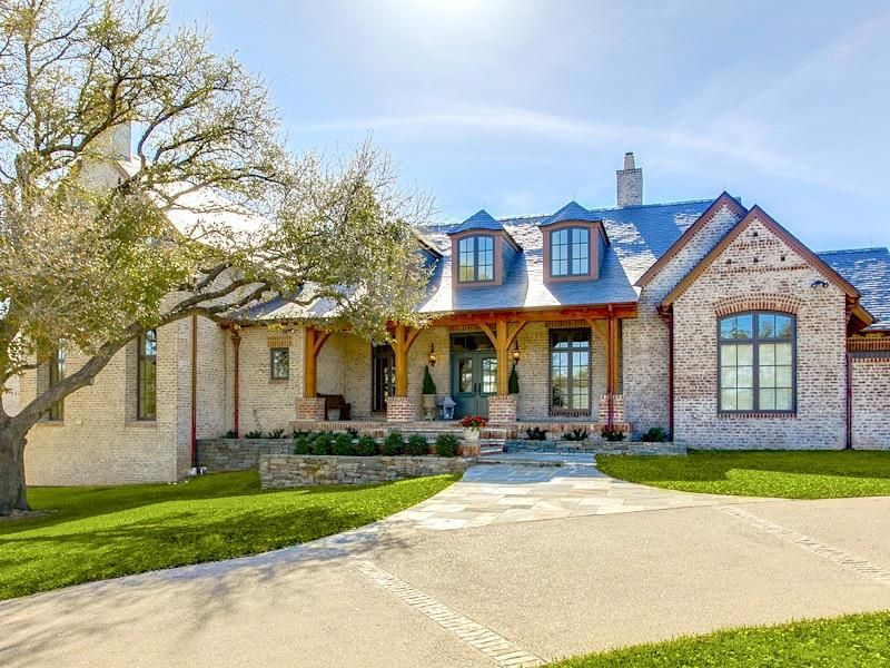 25 Best Ideas About Hill Country Homes On Pinterest Texas Ranch