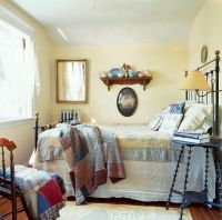 Small Cottage Bedroom - Home Design