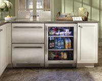 Rhode Island kitchen with True Residential 24 ...