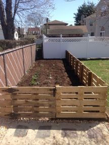 Pallet Fence. Great Inexpensive Fence In Garden