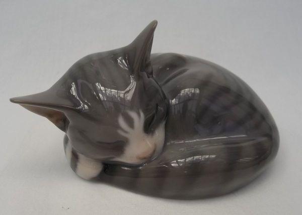 Royal Copenhagen Kitten Cat Sleeping Model 422 1025
