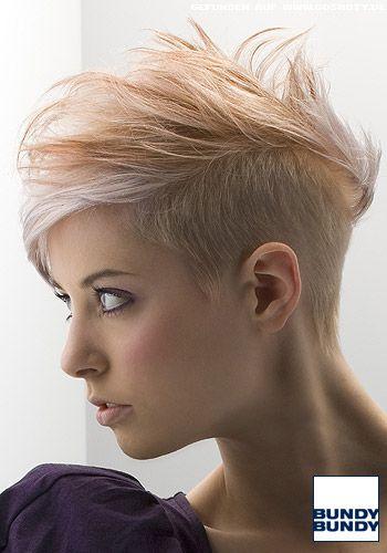 Blond Gesträhnter Short Cut Mit Leichtem Undercut Frauen