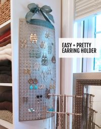 Make this DIY hanging earring holder in 10 minutes or less ...