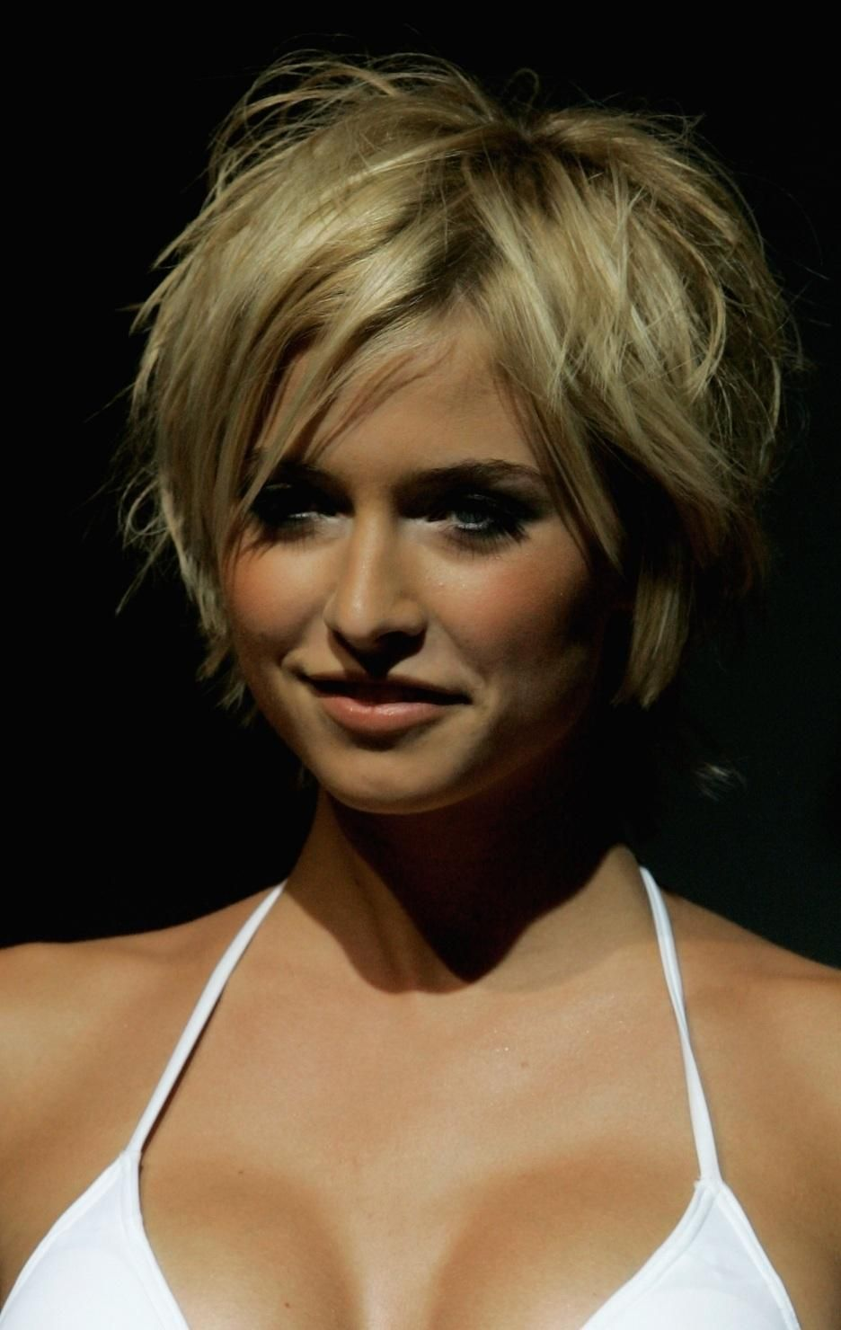 Lena Gercke Short Hairstyles Hot 759564159 936×1 480 Pixels