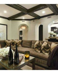Kaley cuoco and ryan had moved into khloe lamar   jinxed mansion also pin by rizlane essifer on home deco pinterest rh