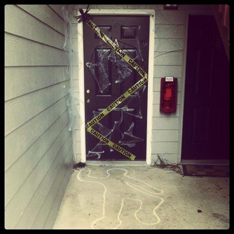 Best 25 Halloween decorations apartment ideas on