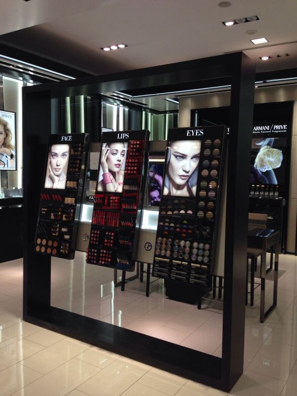Makeup Store Display Ideas