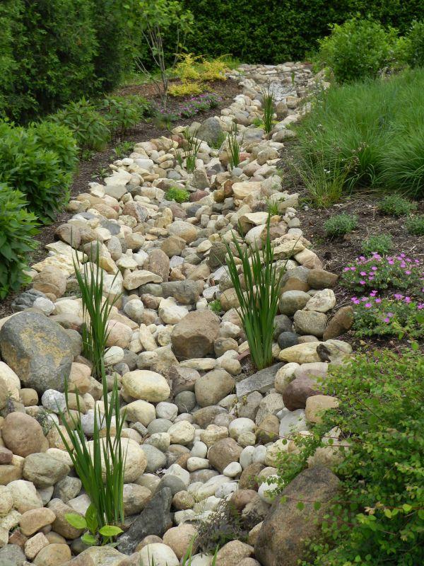 super easy dry creek landscaping