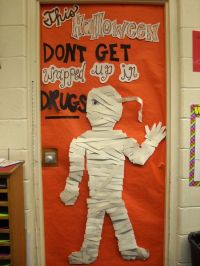 Red Ribbon Week Door Decoration Cute idea for a lunch time ...