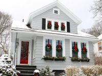 How to Decorate Your Home for the Holidays With Evergreen ...
