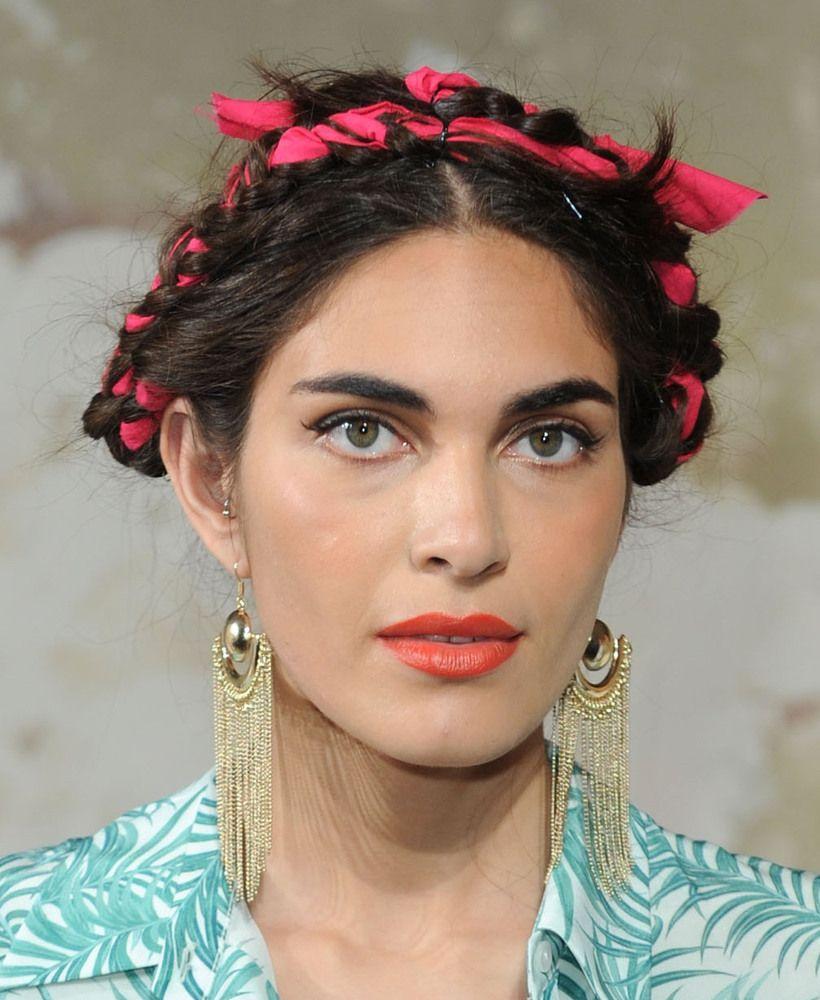 3 Ways To Wear Frida Kahlo's Fabric Woven Braids PHOTOS Updo