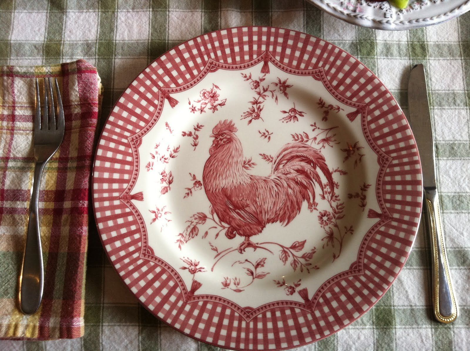 Rooster Plates on Pinterest  Rooster Kitchen Decor