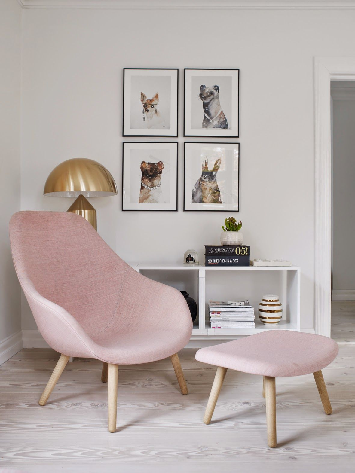 Lounge Chairs For Bedroom Living Room Rose Quartz Sofa Pretty Spaces Pinterest