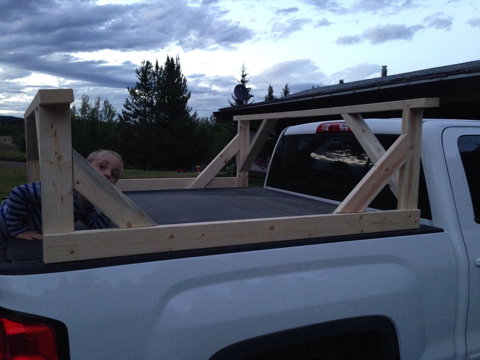 DIY Truck box kayak carrier