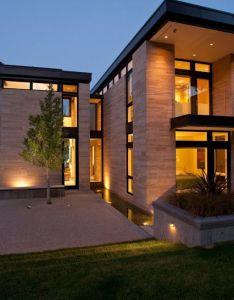 Casa moderna con espejo de agua diseno casas home house design also rh pinterest