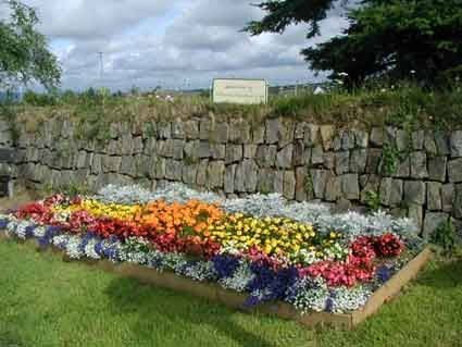 Borders For Small Flower Gardens Flower Bed Designs For Vibrant