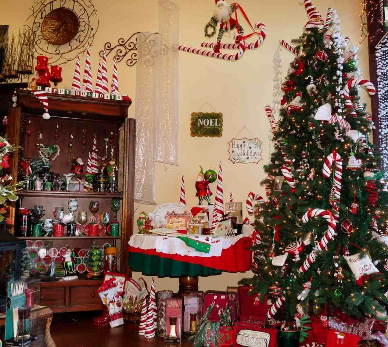 new post diy christmas house decorations inside also xmast pinterest rh in & living room christmas decorations inside the house beautiful homes ...