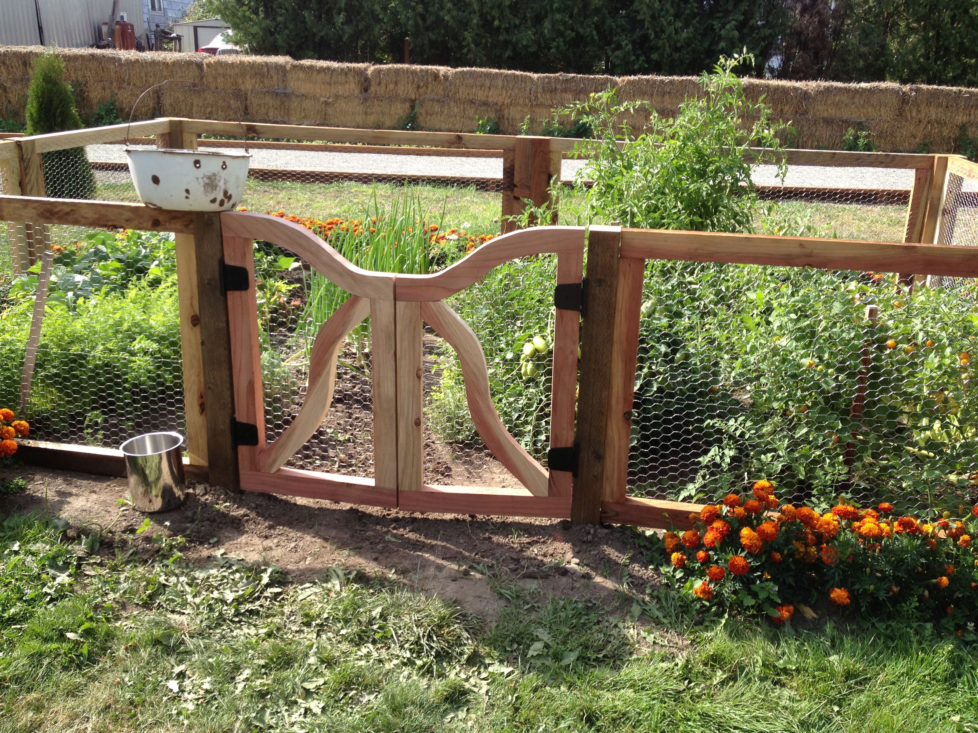 93 Best Images About Pretty Garden Gates And Fences On Pinterest