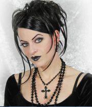 gothic-hairstyle modern gothic