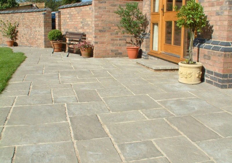 Courtyard Paving – Old Grey – Oakham Pattern – Patio Pack