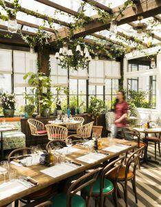 Room also pink mamma  pigalle decoration restaurants and restaurant design rh pinterest