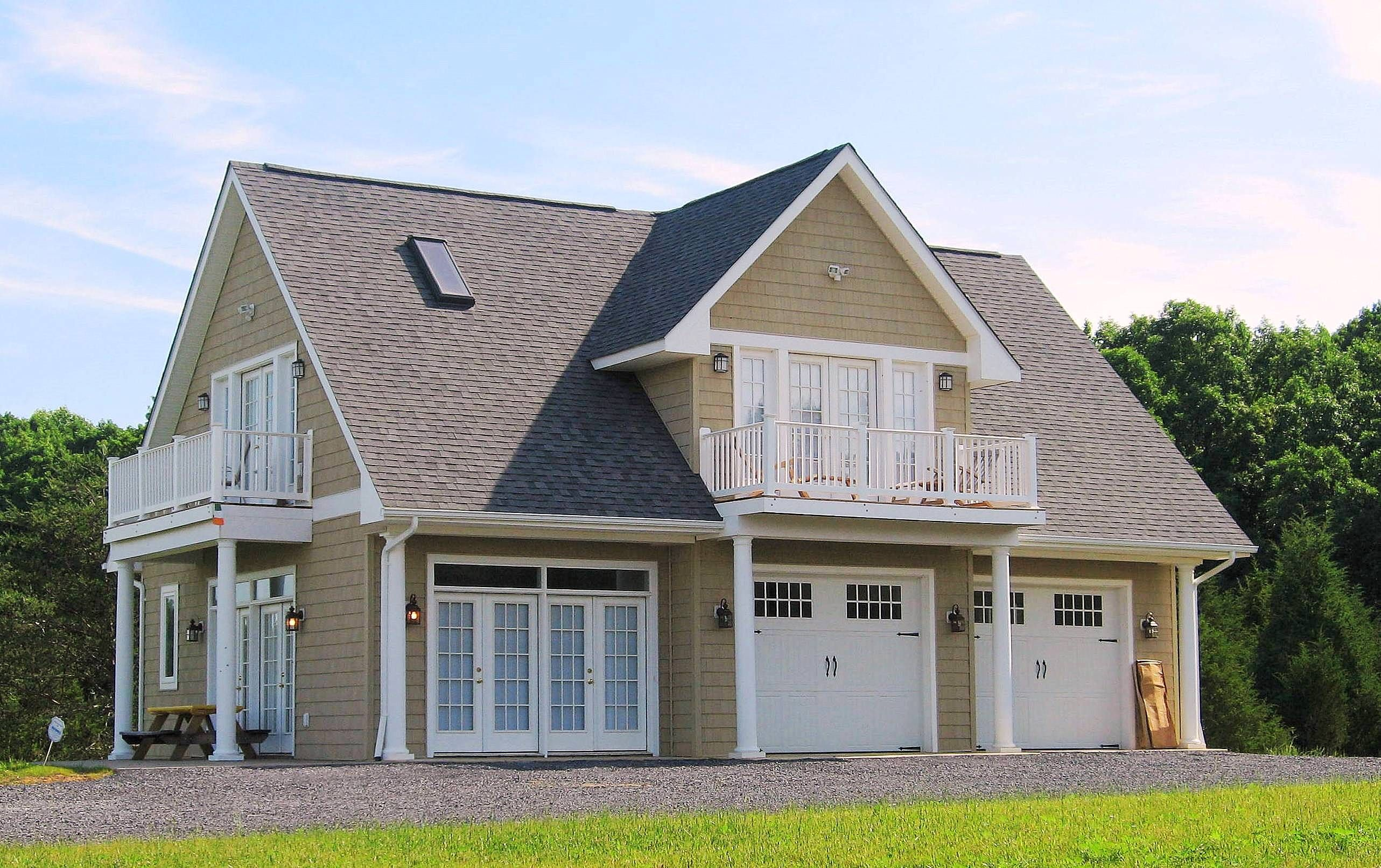 Barn Plans With Apartment Above  Above Garage Apartment  Extra Spaces  Pinterest  Garage
