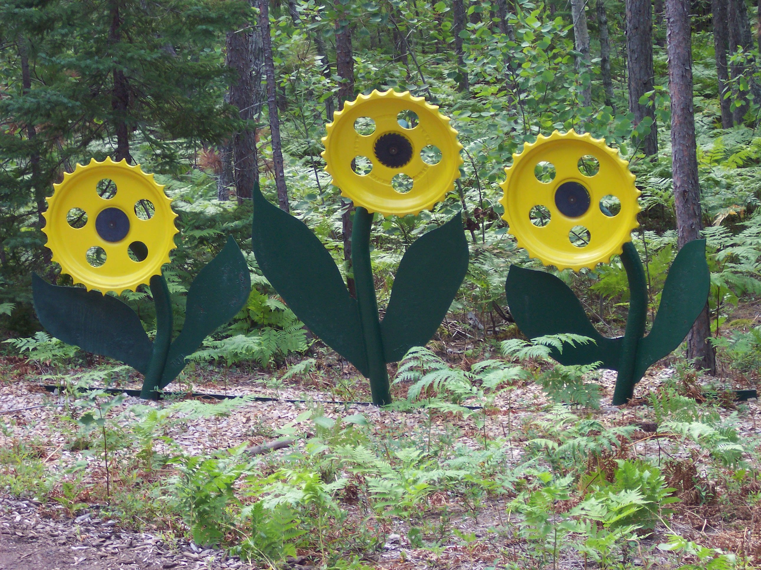Yard Art Ideas From Junk Related Searches For Junk Yard Art