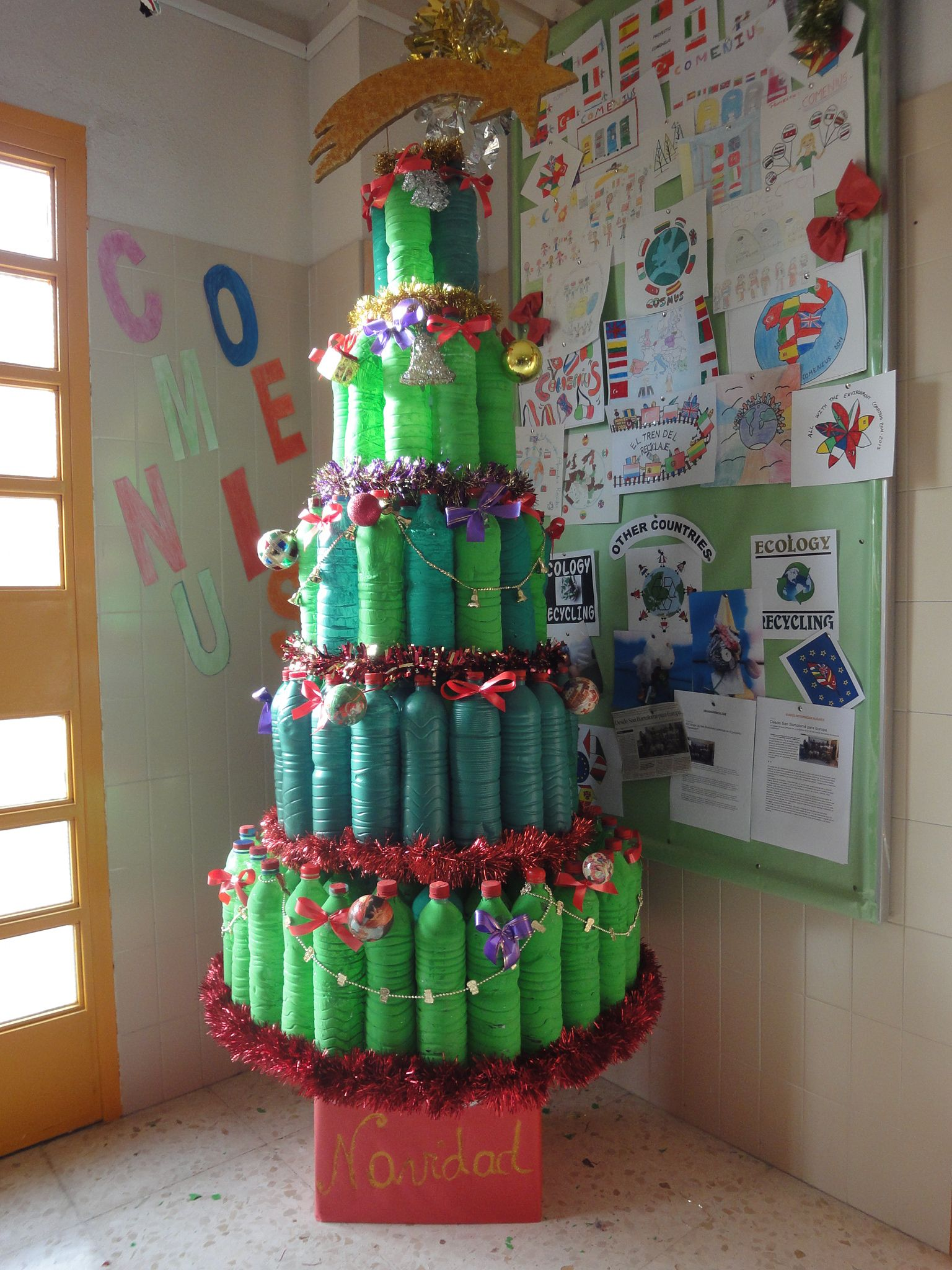 Recycled Decorations For Christmas Tree: Christmas