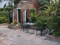 courtyards in new orleans