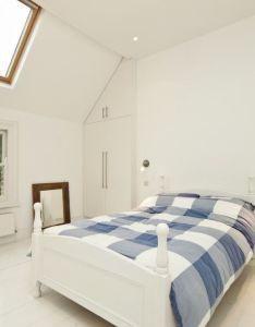 Simple and elegant scandinavian bedroom design also interior rh pinterest