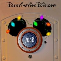Free printable custom Christmas ear magnet for your Disney
