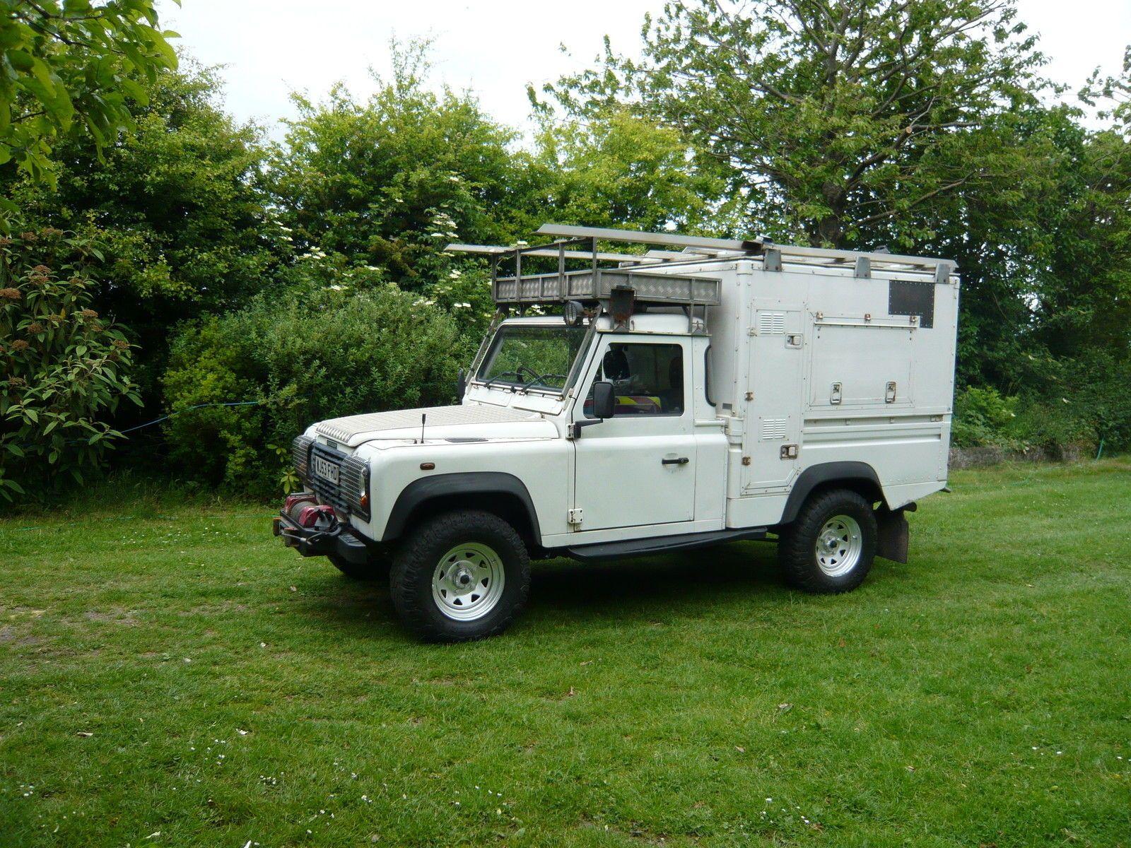 Land Rover Santana 109 landrover santana 109 defender safari