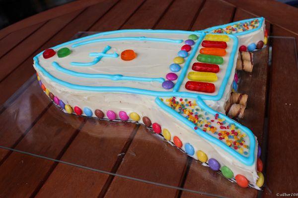 Kindergeburtstag  Raketen Geburtstage und Rakete Kuchen