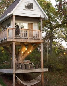 wanted  tree house so badly as kid but none of the trees in our back yard could support one if   ever lucky enough to have kids also treehouse home inspiration pinterest houses rh