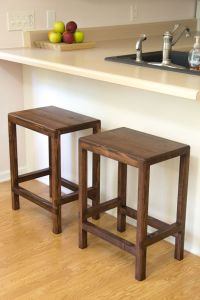 Best 25+ Short bar stools ideas on Pinterest   Wooden bar ...