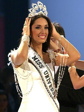 Miss Universe crowning moment on Pinterest Alicia