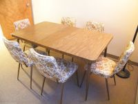 VINTAGE 1960s FORMICA WOOD KITCHEN TABLE & LEAF w/ 6 ...
