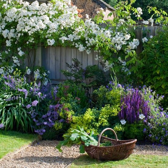Country Garden Design Ideas