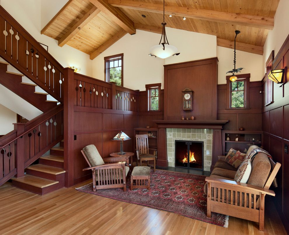 Vintage House Interior Design With Fireplace And Wall Clock