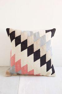 Plum & Bow Andanda Kilim Pillow | Kilim pillows, Urban ...