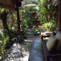 Bali style. Balinese home. Lima San house. Balinese garden ...