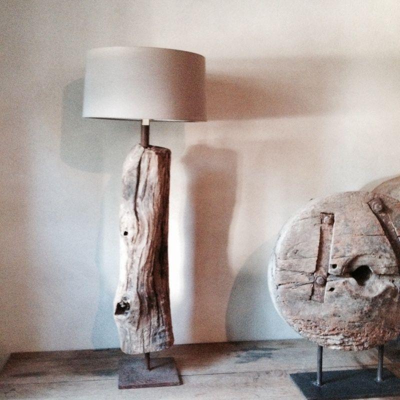 Stoere landelijke staande lamp stronk  wwwhetjagershuis