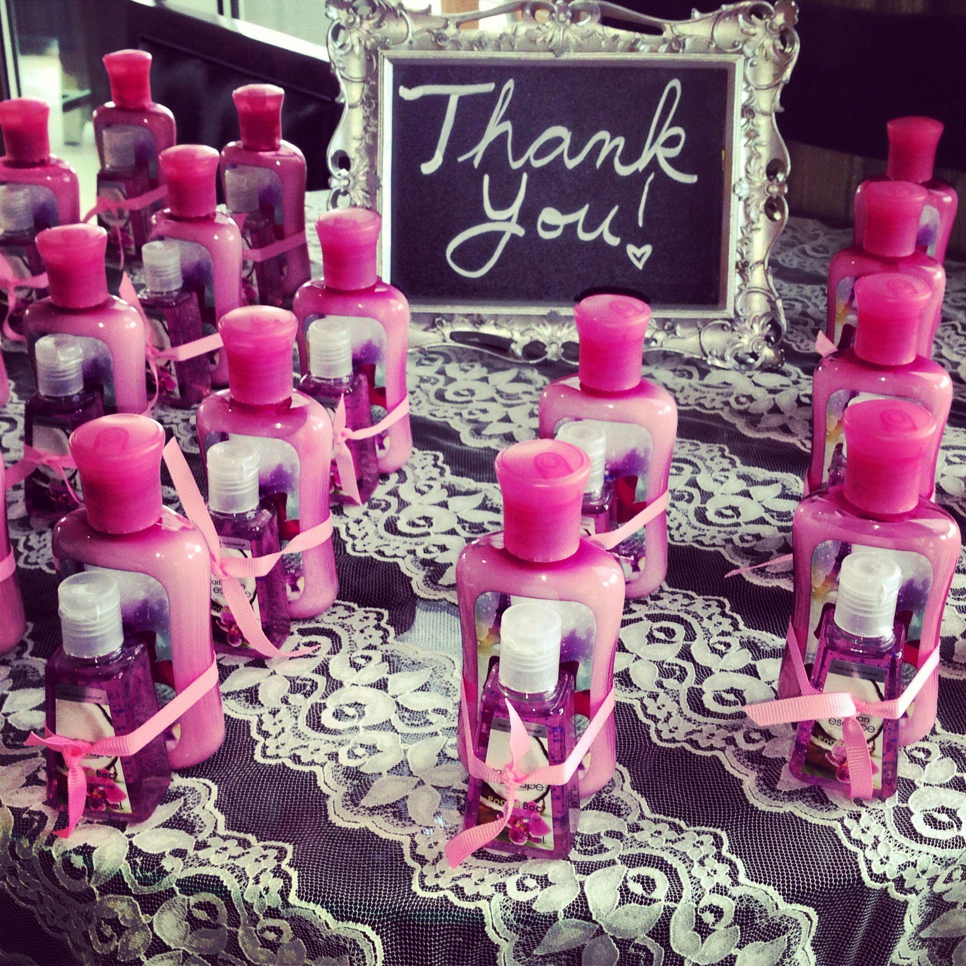 Best 25 Bridal shower favors ideas on Pinterest  Bridal shower planning Bridal shower party