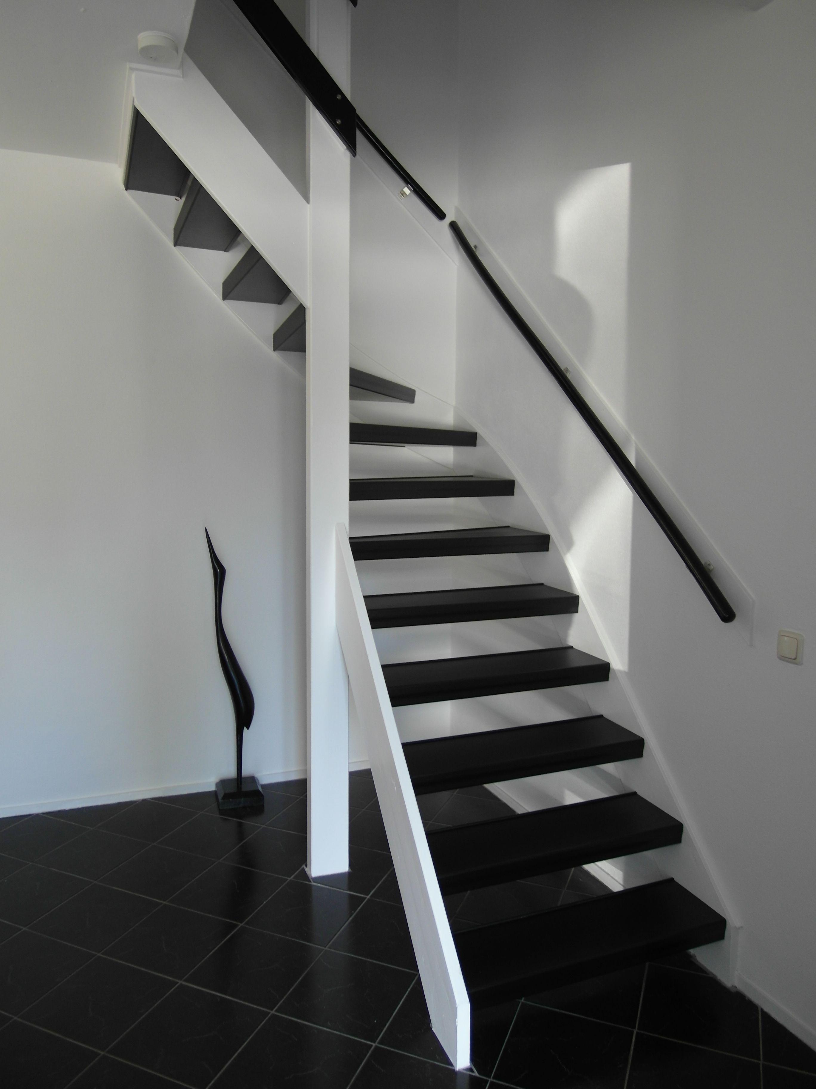 Afbeeldingsresultaat voor open trap bekleden hout  trap