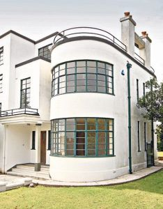 Ahat is art deco style architecture england house home also the design and of roaring twenties all rage rh pinterest