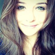 brown eyes hair freckles