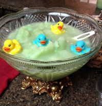 Super cute Punch bowl with ducks, perfect for a#BabyShower ...